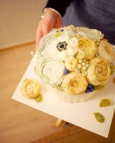 Done by student of Better class (베러 정규클래스/Regular class) www.better-cakes.com  #buttercream#cake#베이킹#baking#bettercake#like#버터크림케익#베러케이크#cupcake#flower#생일케익#sweet#플라워케이크#foodporn#birthday#wedding#디저트#bettercake#dessert#버터크림플라워케익#follow#food#koreancake#beautiful#flowerstagram#instacake#컵케이크#꽃스타그램#베이킹클래스#instafood#