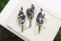 Lavender + baby's breath boutonniere | Image by Eline Jacobine