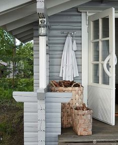 decordemon: A beautiful lake cottage by Krista Keltanen photography Lakeside Cottage, Lake Cottage, Cottage Homes, Weekend House, Cottage Design, Scandinavian Home, Cabins In The Woods, Saunas, Beach House