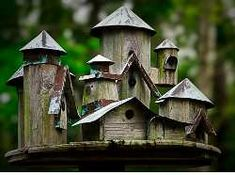 Birdhouse ideas might be the thing you need if you love birds and want to pet them in your house. You can get so many advantages when you get the birds in your house. Bird House Plans, Bird House Kits, Wooden Bird Houses, Birdhouse Designs, Birdhouse Ideas, Rustic Birdhouses, Bird Aviary, Bird Cages, Bird Feeders