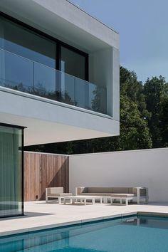 balcon - HS Residence par Cubyc Architects - Bruges, Belgique