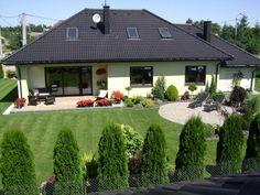 Front Yard Garden Design, Front Garden Landscape, Garden Yard Ideas, Backyard Garden Design, Side Yard Landscaping, Backyard Layout, Garden Deco, Garden Planning, Garden Inspiration