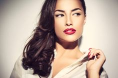 10 Personality Traits In Women That Attract Men The Most Always wanted to know what men look for in a woman? In this article, Beauty and Tips takes a look at 10 personality traits in women The Beauty Department, Beauty Tips And Secrets, Beauty Hacks, Best Makeup Tips, Makeup Tricks, Flawless Beauty, Beauty Packaging, Look Younger, Summer Makeup