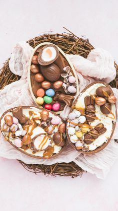 Basic Cheesecake, No Bake Cheesecake Filling, Easter Cheesecake, Creme Egg Cheesecake, Cheesecake Recipes, Easter Egg Cake, Making Easter Eggs, Easter Cake Videos, Easter Food