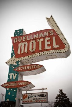 Motel neon sign #old #sign #motel