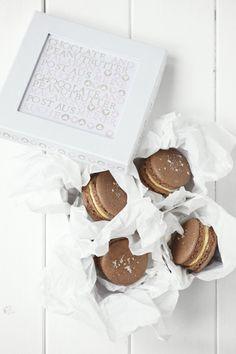 Chocolate and salted peanutbutter macarons... yammi <3