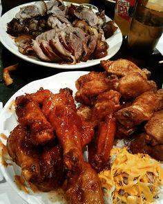 Superbowl Night w/ Dunjuh crew  #kono #wings #pork #porkbelly #murray #superbowl #보쌈 #족발 #셰계음식 #푸드스타그램 #푸드 #음식 #음식스타그램 #먹스타그램 #맛스타 #배고파 #배고프다 #야식 #간식 #후식 #맛집 #맛있는 #레스토랑 by siuoljy