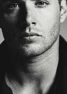Jensen Ackles (Dean)