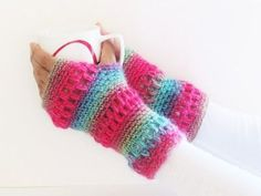 Boutique Fingerless Gloves or Mittens, Free Crochet Pattern