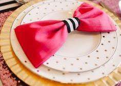 ゲストテーブルを華やかに*思わず嬉しくなっちゃう飾りナプキンの折り方まとめ♡