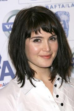 medium hairstyle with bangs for round faces