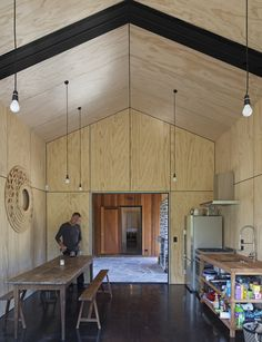 This little holiday home in Cardrona Valley thinks big - Homes To Love Shed Homes, Prefab Homes, Posh Sheds, Plywood Interior, Cedar Cladding, Small Floor Plans, Internal Design, Inside Home, Minimal Home