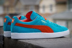 """Having a Spring vibe is the latest edition of the Puma Suede model ironically dressed in a """"Bluebird"""" color-scheme. Built with a suede base with Deep Orange stripe that can be found now at retailers like Packer Shoes. Puma Suede, Puma Sneakers Suede, Mens Puma Shoes, Sneakers Nike, Adidas Shoes, Best White Sneakers, Retro Sneakers, Classic Sneakers, Sneaker Magazine"""