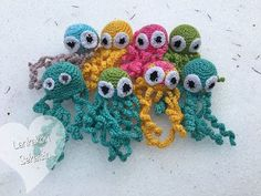 For very young and very old to hold in fingers instead of infusion tubes Crochet Animals, Crochet Toys, Knit Crochet, Owl Pillow, African Flowers, Baby Knitting Patterns, Baby Toys, Diy And Crafts, Crochet Necklace