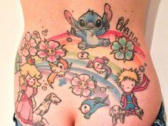 """Ecco il tatuaggio di """"gio.positiva"""".  """" Mi chiamo Giovanna e il tatuaggio che ho scelto fra i diversi che ho è quello sulla mia schiena. Ci sto lavorando da anni ed è in continua evoluzione semplicemente perché rappresenta la mia OHANA (famiglia) e si espande all'arrivo di nuovi membri."""