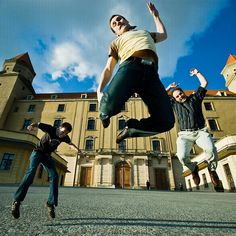 Bratislaboys, Jumping around the main castle of Bratislava, capital of Slovakia. by Éole