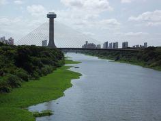 Ponte Estaiada Mestre João Isidoro França - Rio Poty - Teresina - Piauí  .