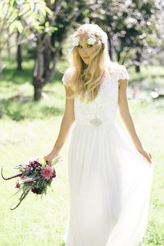 I really like this style dress.. If I ever get married in the temple I would want something simple like this.