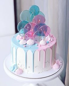 amazing cakes pink and blue candy melt cake with sprinkles Crazy Cakes, Fancy Cakes, Cute Cakes, Pretty Cakes, Gorgeous Cakes, Amazing Cakes, Bolo Tumblr, Gateau Baby Shower, Cute Desserts