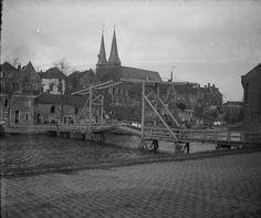 Deventer: De Bokkingshang bij de Oude Haven met de Olifantsbrug omstreeks 1903