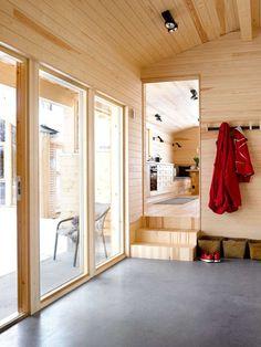 SMART ANNEKS: Også her er materialene solide og robuste. Ensartet materialbruk gjør at de små rommene oppleves større.