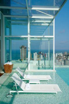 ♂ Urban living rooftop pool