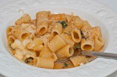 Appunti di cucina di Rimmel: Pasta patate e provola