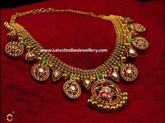bridal jewelry for the radiant bride Gold Temple Jewellery, Gold Jewellery Design, Gold Jewelry, Mens Jewellery, Quartz Jewelry, India Jewelry, Antique Necklace, Antique Jewelry, Swarovski Crystal Earrings