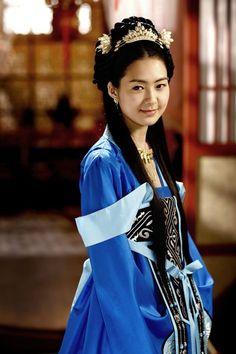 royal hanbok | Silla Hanbok | Socyberty