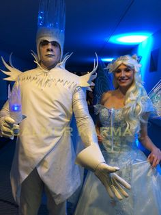Ice King and Ice Queen performers greeting guests. http://www.calmerkarma.org.uk/winter-wonderland.htm Perfect for corporate Christmas parties. Hire across the UK inc MANCHESTER, LONDON, Cheshire, BIRMINGHAM, CARDIFF, Bristol