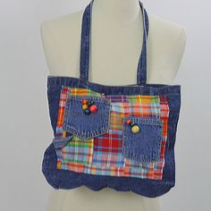 looks to be handmade Pockets and beads on the front Condition: Excellent vintage condition Strap measures 24 around Bag measures 13 X 11 Source by boho Hippie Bags, Boho Bags, Blue Jean Purses, Denim Purse, Plaid Purse, Denim Handbags, Denim Ideas, Denim Crafts, Recycled Denim