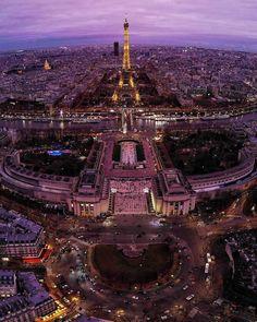 17 Stunning Photos of Paris Tour Eiffel, Versailles, Centre Pompidou Paris, Paris City, Paris Paris, Cities In Europe, Where To Go, Paris Skyline, Cathedral