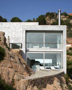 Casa Costa Brava, Catalonia / Jordi Garces - #contemporary minimalist house
