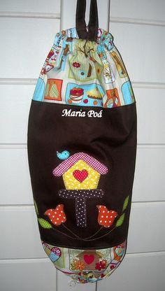 Puxa saco em sarja e tecido puro algodão com elástico, aplicação patch aplique modelos diversos. Consultar tecidos e cores disponíveis R$ 35,00
