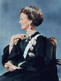 Queen Margrethe of Denmark wearing the poire pearl tiara and necklace