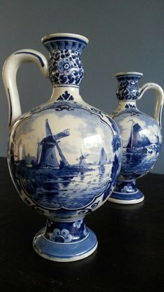 Delfts blauw vases. Visit shop.holland.com for contemporary #dutchdesign and Delftware