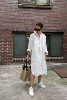 Modest Outfits, Chic Outfits, Minimal Dress, Sneakers Fashion Outfits, Long Shirt Dress, Trends, Minimalist Fashion, Pretty Dresses, Korean Fashion