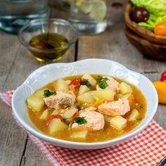 Marmitako de salmón Patatas Guisadas, Thai Red Curry, Soup, Ethnic Recipes, Fresco, Gazpacho, Diabetes, Pork Chops, Crock Pot