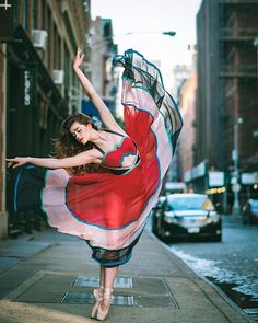 """culturenlifestyle: """" Beautiful Ballet Portrait Of Performers Claiming The Streets Of NYC Ballet is an intimately physical art that has been merged with the beauty of music, photography and dance,. Ballerina Dancing, Ballet Dancers, Dance Photos, Dance Pictures, Ballet Pictures, Rue New York, Nyc, Tumblr Ballet, Photo New York"""