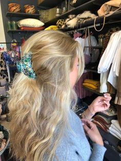 Major Hair Accessories Hairstyle Idea #quickhairstyles #simplehairstyles Cut My Hair, Her Hair, Hair Cuts, Hair Inspo, Hair Inspiration, Brown Blonde Hair, Messy Blonde Hair, Blonde Honey, Aesthetic Hair