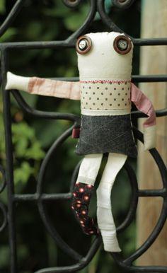 Les inséparables - Poppy 4 - poupée de chiffon aimantée - faite à la main à Montréal - 2015 - Anouk Kouri - disponible à la Boutique Les jeux, Val David