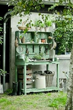 nice potting stand for out in a garden...very farmhouse looking country style