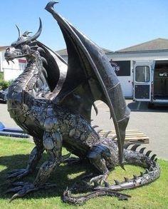 Fantasy Dragon, Dragon Art, Fantasy Art, Dragon Statue, Dragon Garden, Fantasy Creatures, Mythical Creatures, Dragon Medieval, Dragons