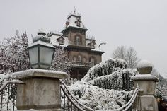 Disneyland Paris Haunted Mansion in the snow