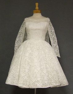 1960s wedding gowns   AMAZING White Lace 1960s Wedding Dress w/ Watteau Back VINTAGEOUS ...