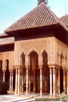 La Alhambra (Granada). Pórtico del Patio de los Leones - XIV