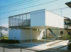 Kamishizu House. Location: Chiba Prefecture, Japan. Architects: Junichi Sampei / A.L.X. Structral engineers: Kume Structural Research & Development Office. Completion date: June 2005.  Photographer: Shinjirou Yamada.