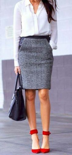 Love the material of this skirt: it would look great in a blazer too! These shoes are also amazing!