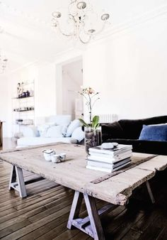 sawhorse table #dream #home For guide + advice on lifestyle, visit www.thatdiary.com