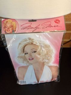 Sexy Blonde Marilyn Monroe Wig California Costume 70167 Cosplay Drag Queen